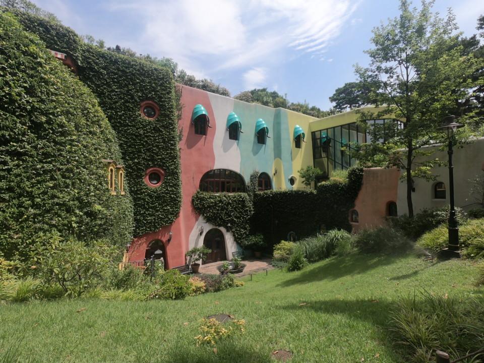 ジブリ美術館の外観 正面