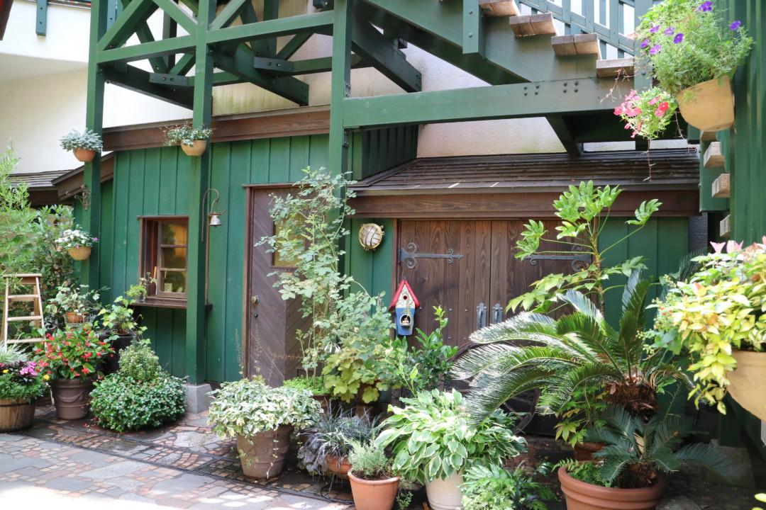 カフェ下の中庭