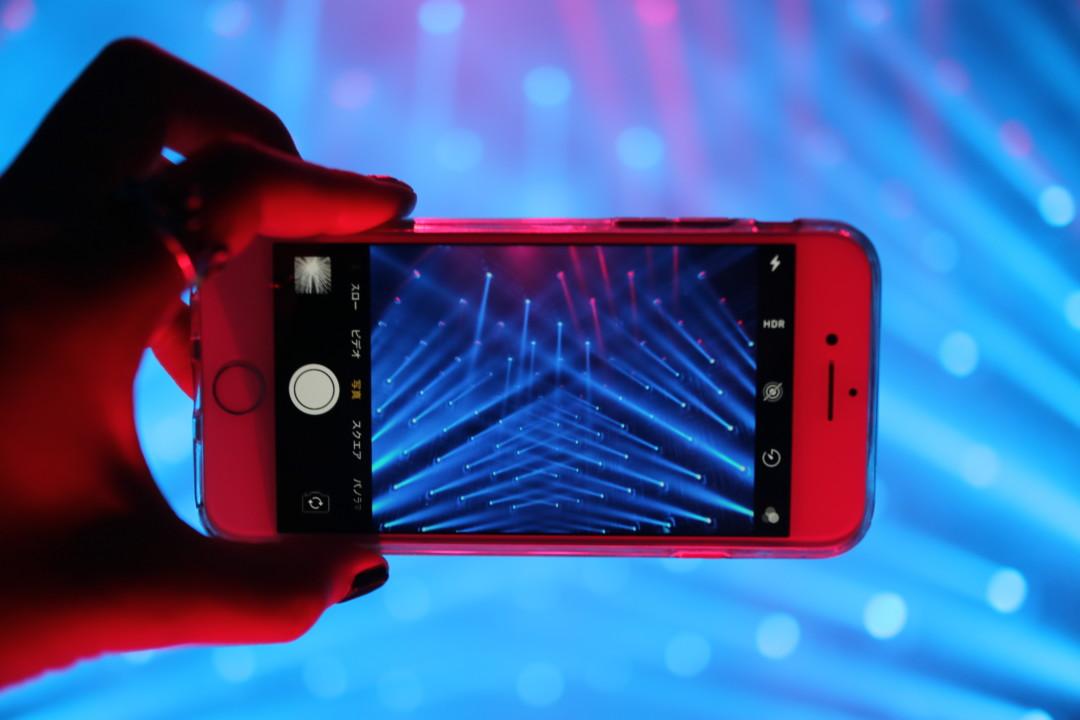 iphoneとチームラボボーダレス