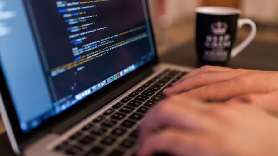 【経験なしの無職でもいける】オススメのプログラミングスクールは『Progate』と『TECH CAMP』 や!!